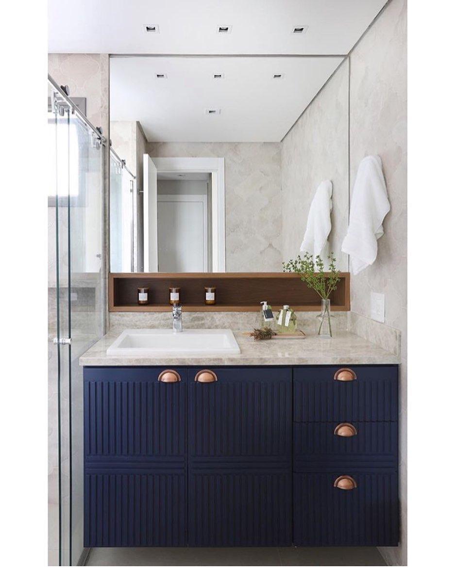 banheiro-azul-escuro[
