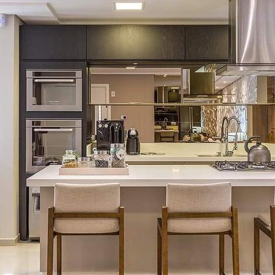 cozinha-americana-luxo-pequena