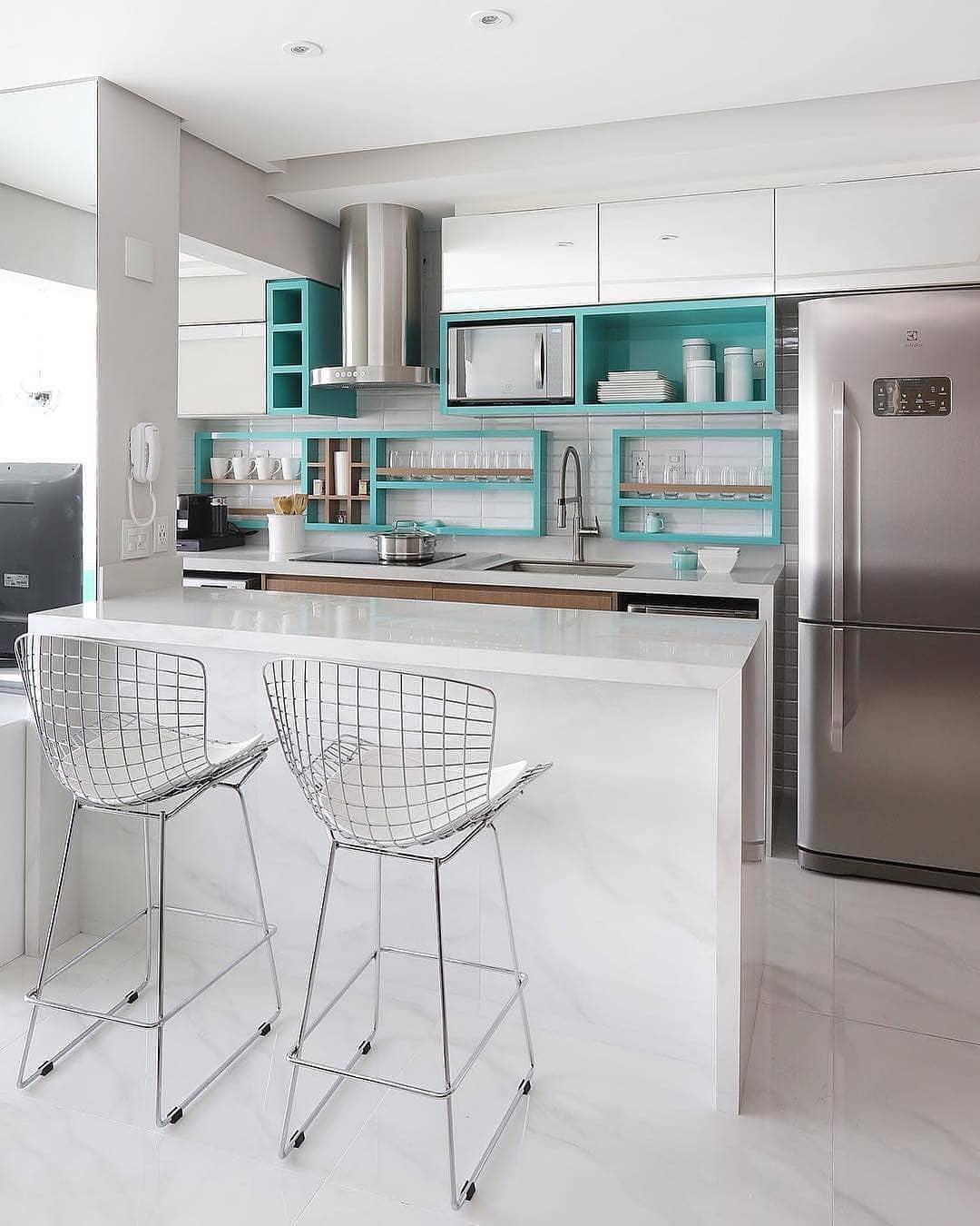 cozinha-americana-branca-clean-apartamento-pequeno