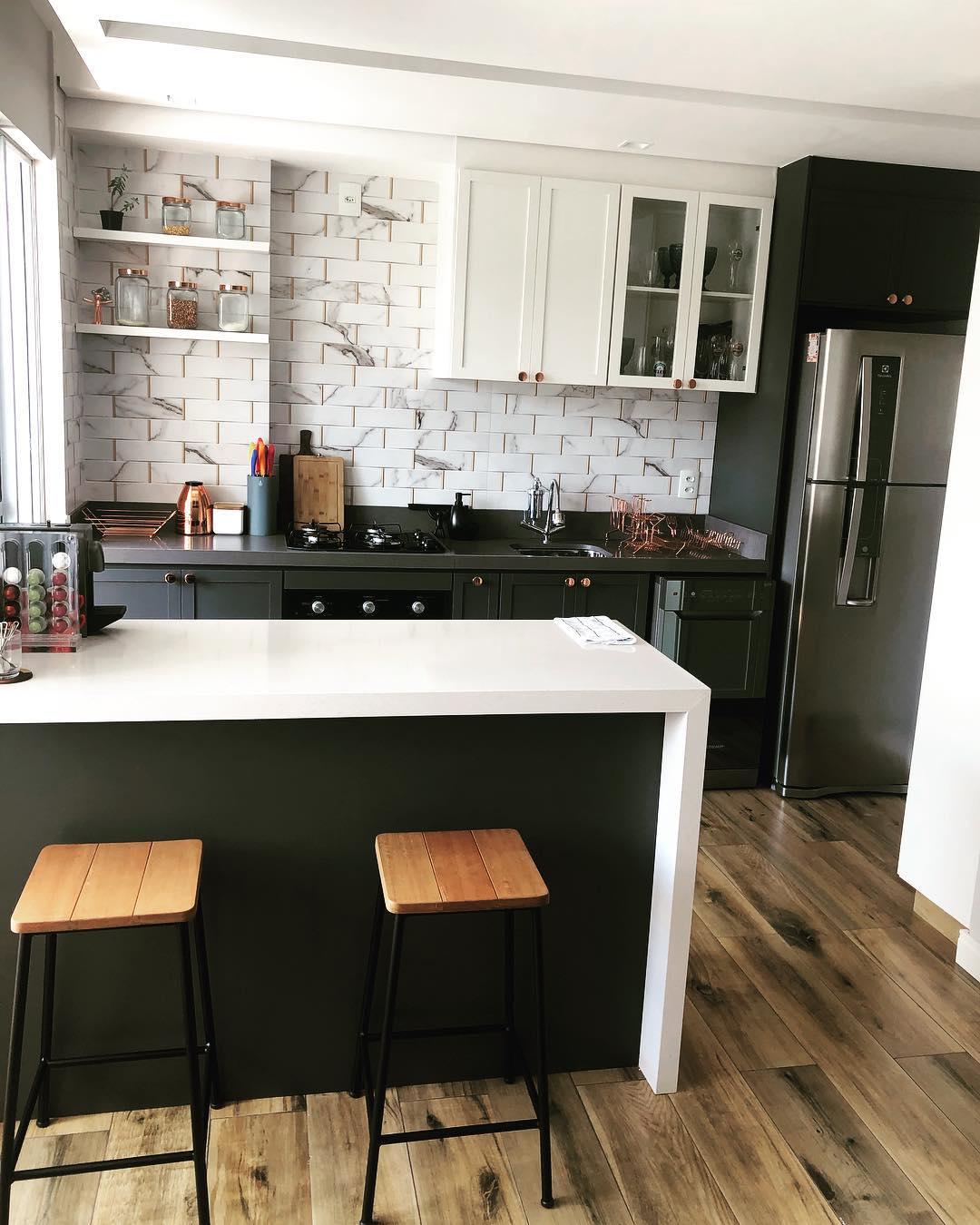 cozinha-americana-preta-branca