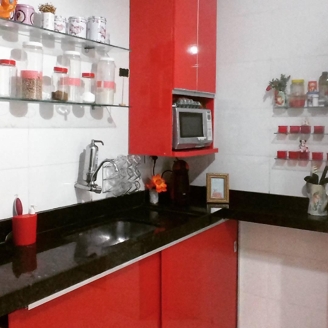 cozinha-preta-e-vermelha