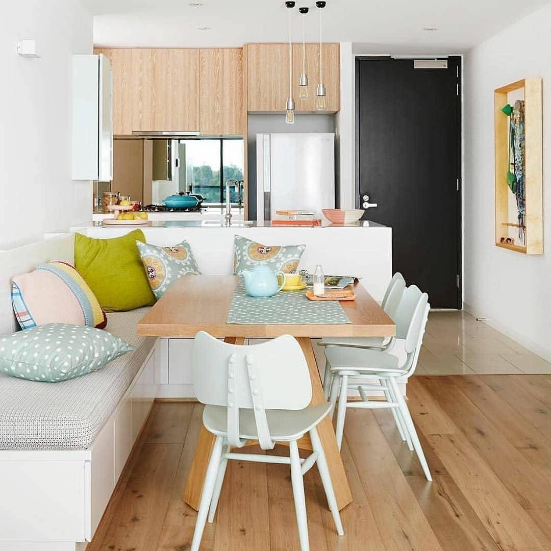 canto-alemão-almofadas-colorido-apartamento