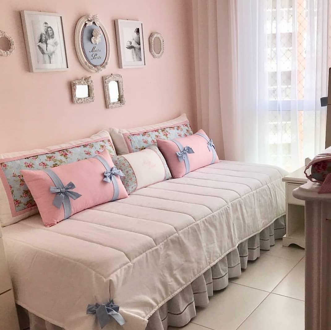 quarto rosa delicado