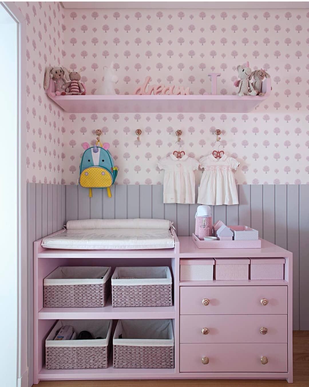 quarto de bebê rosa claro