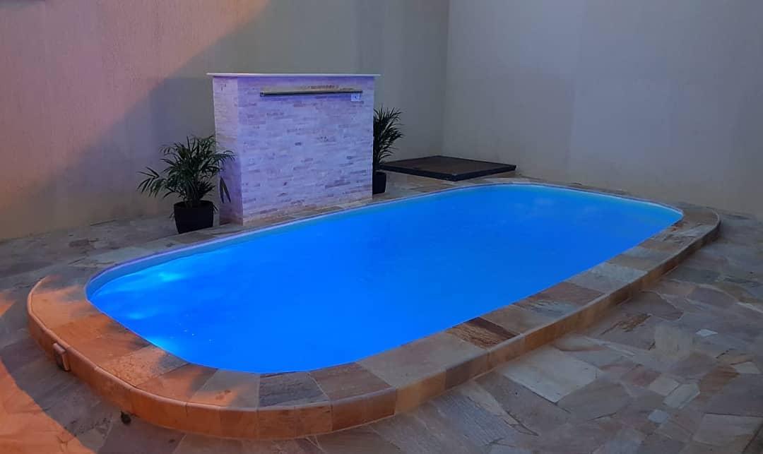 piscina-fibra-vidro-iluminacao-led
