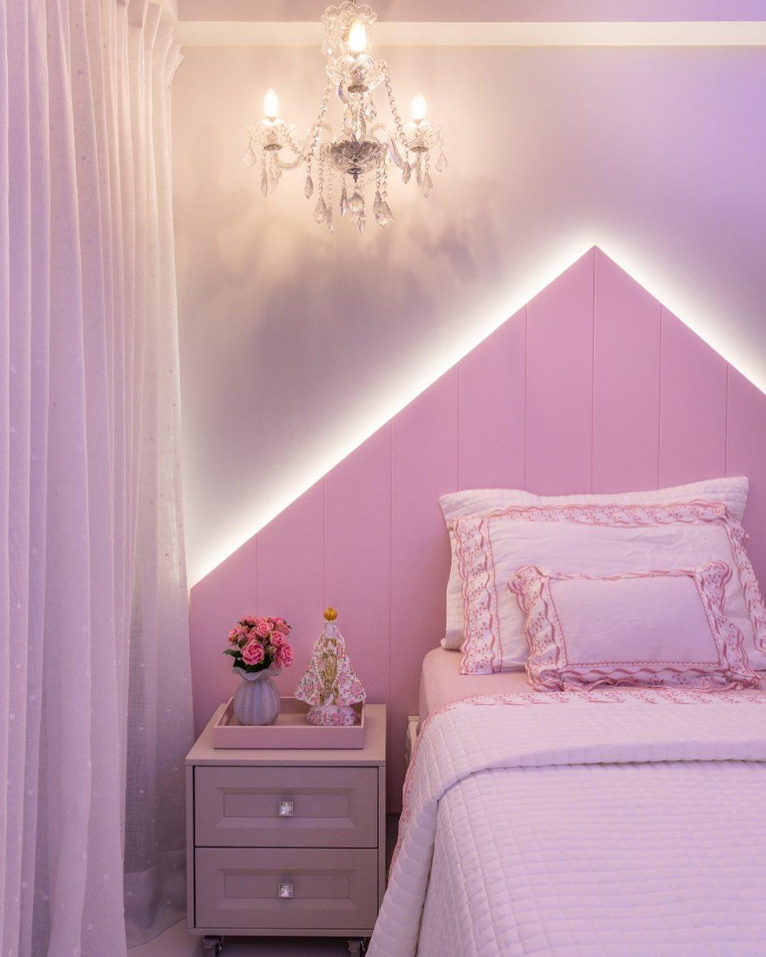 quarto rosa feminino simples