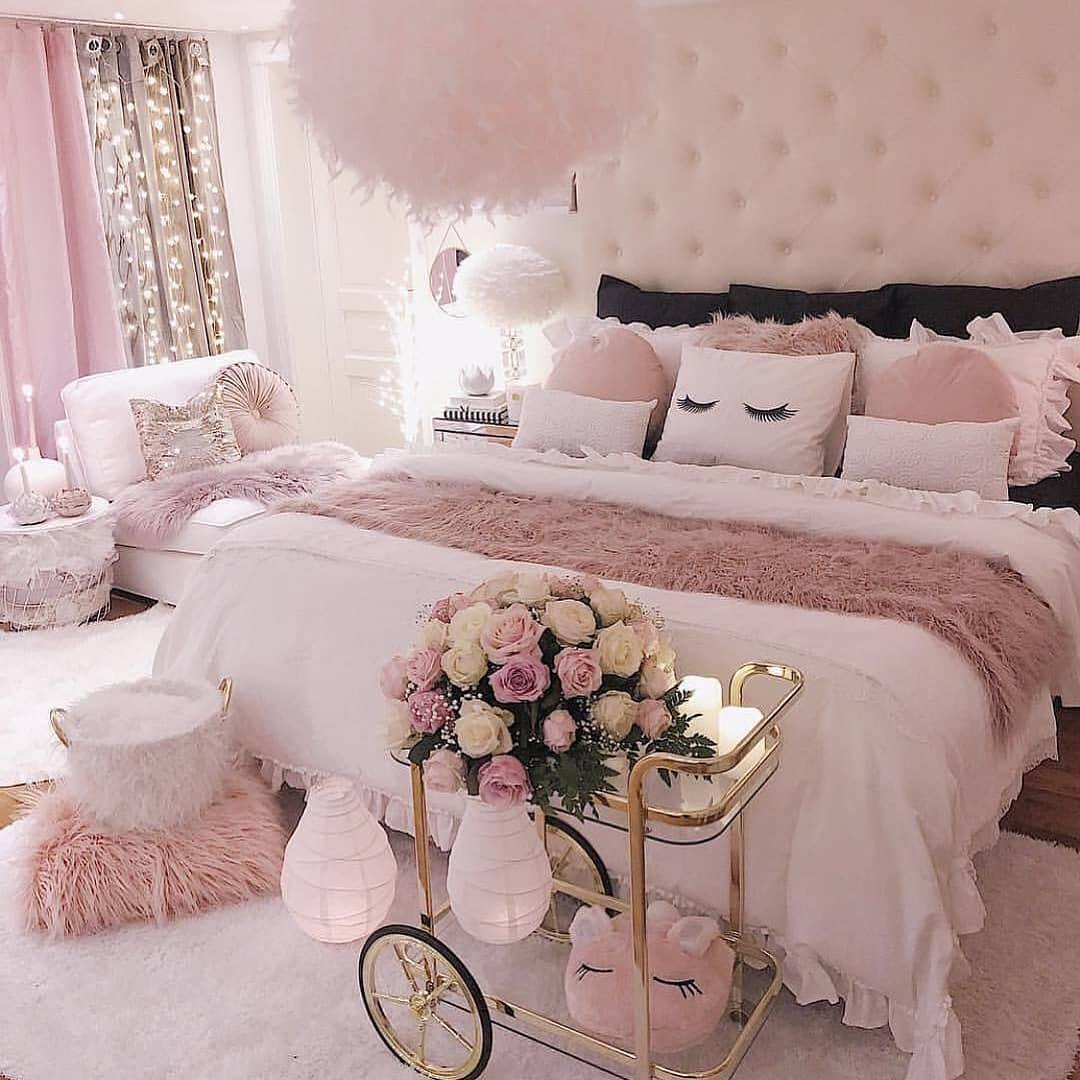 quarto rosa feminino