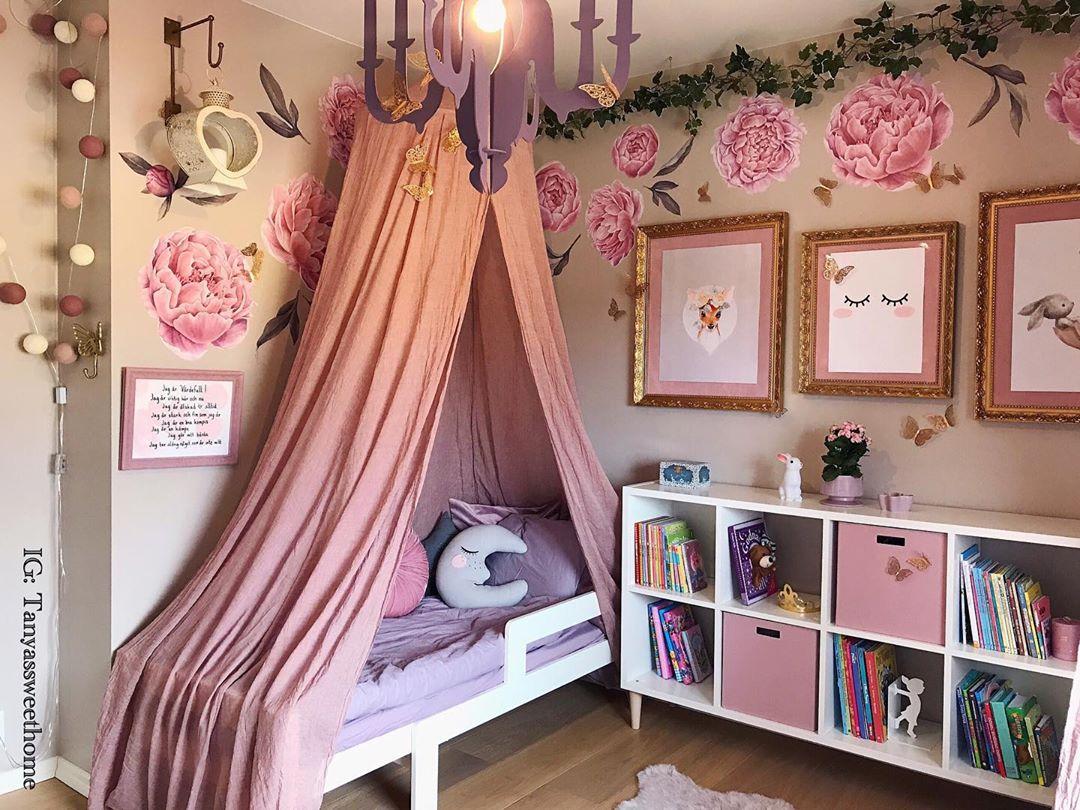 quarto rosa criativo de adolescente