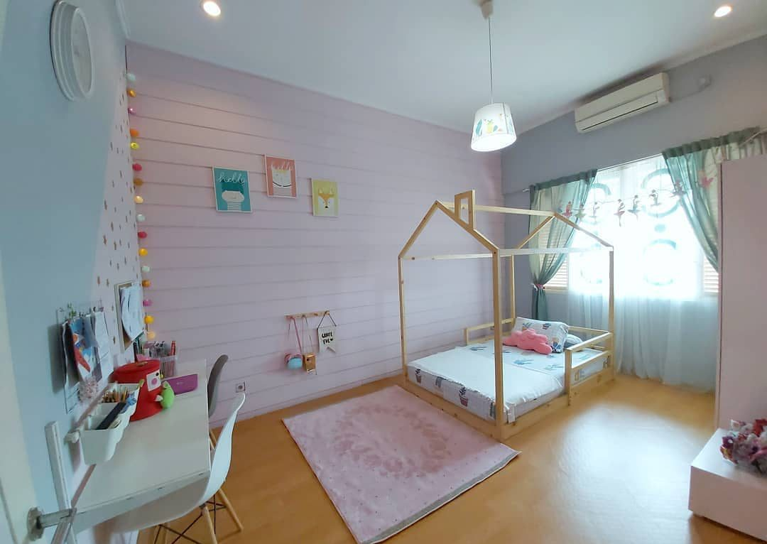 quarto rosa claro com verde