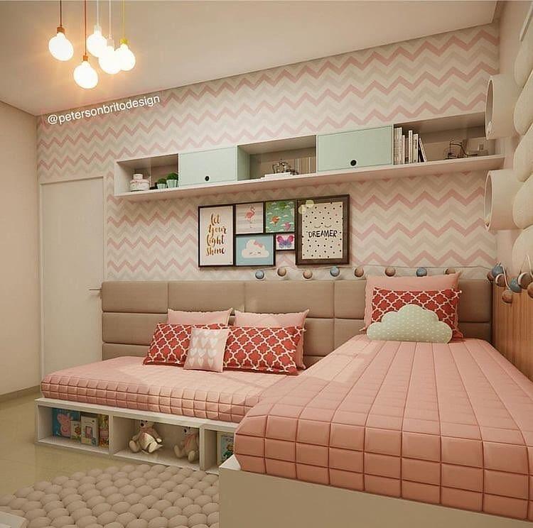 quarto rosa de duas irmãs