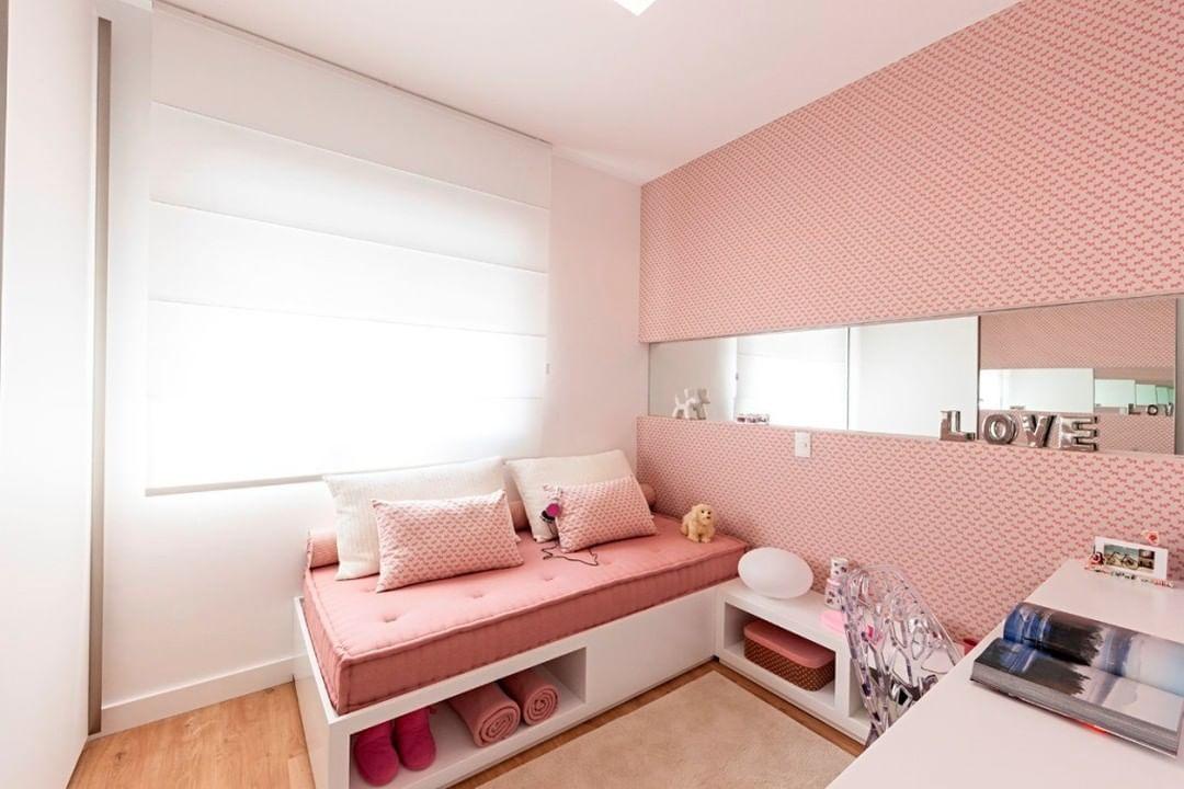 quarto rosa de adulto simples