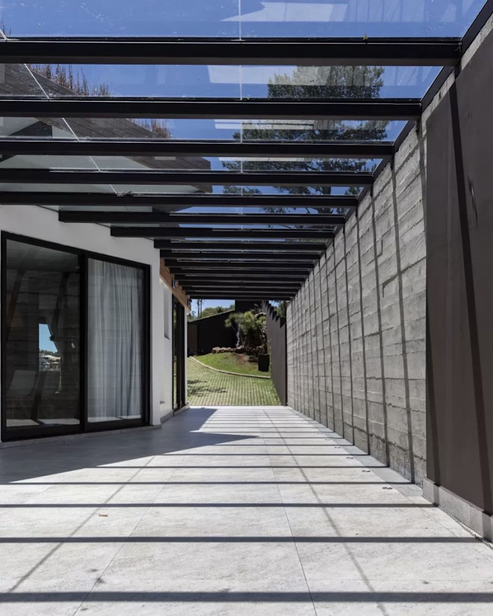 modelos de garagem teto vidro