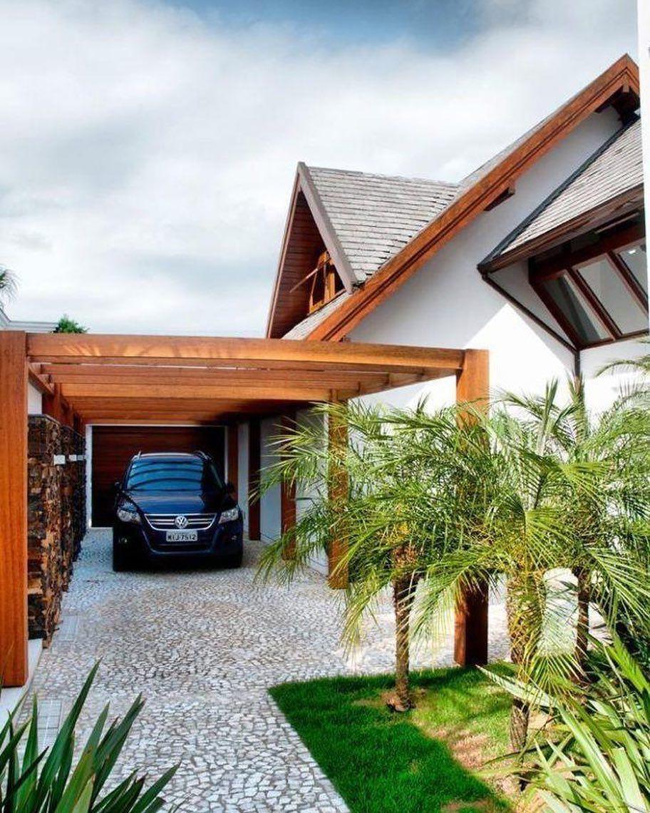 modelos de garagem em madeira pergolado