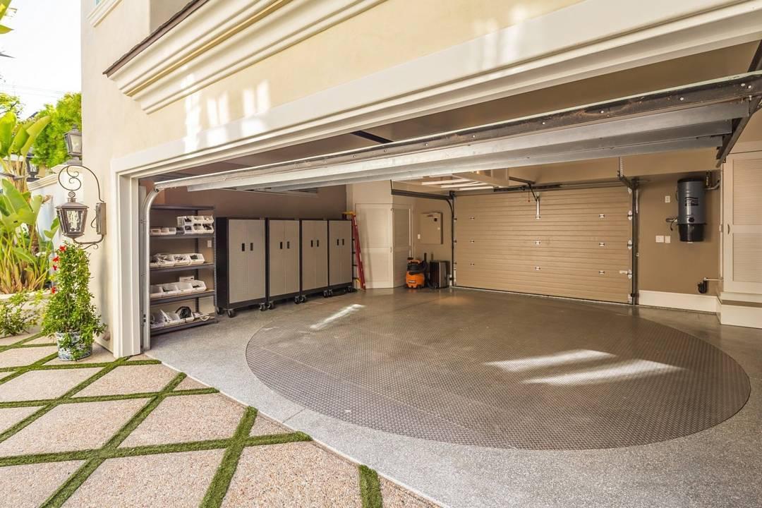modelos de garagem com armário