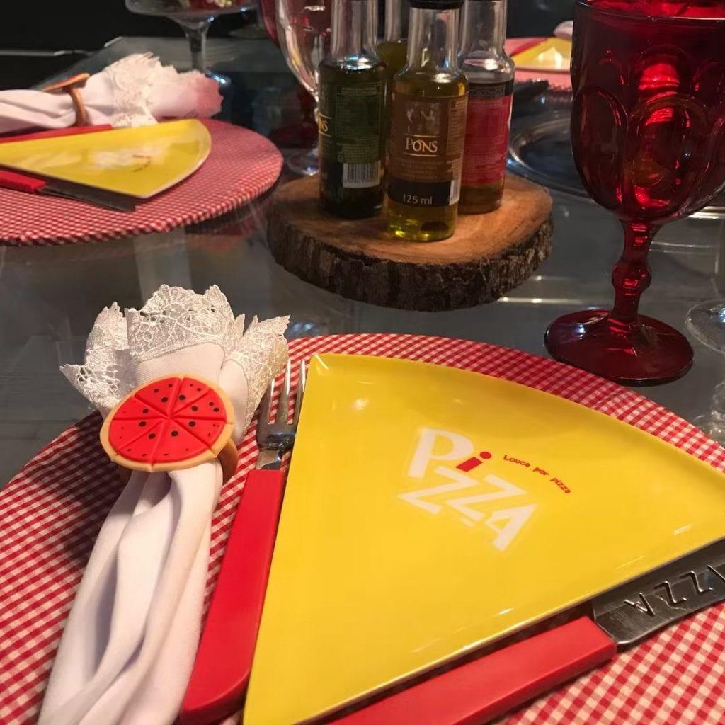 noite-da-pizza-mesa-posta[