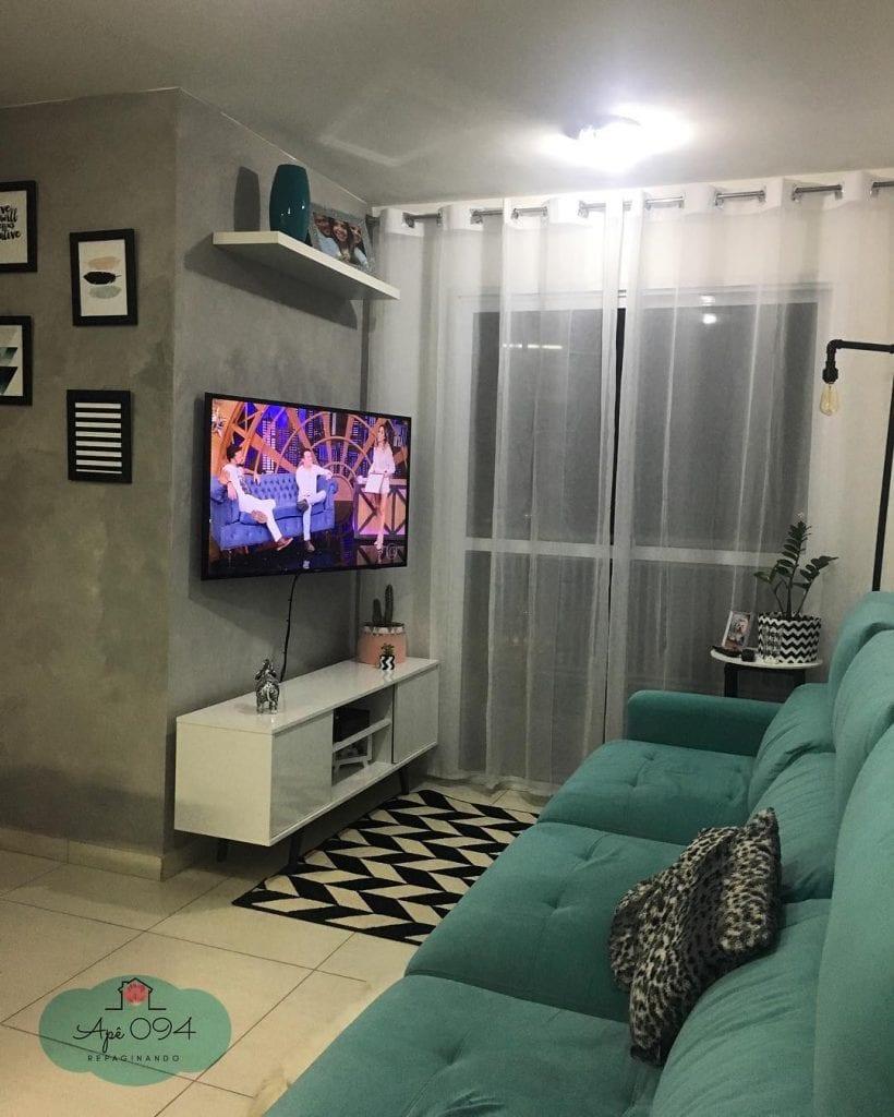 sala-pequena-decorada-simples