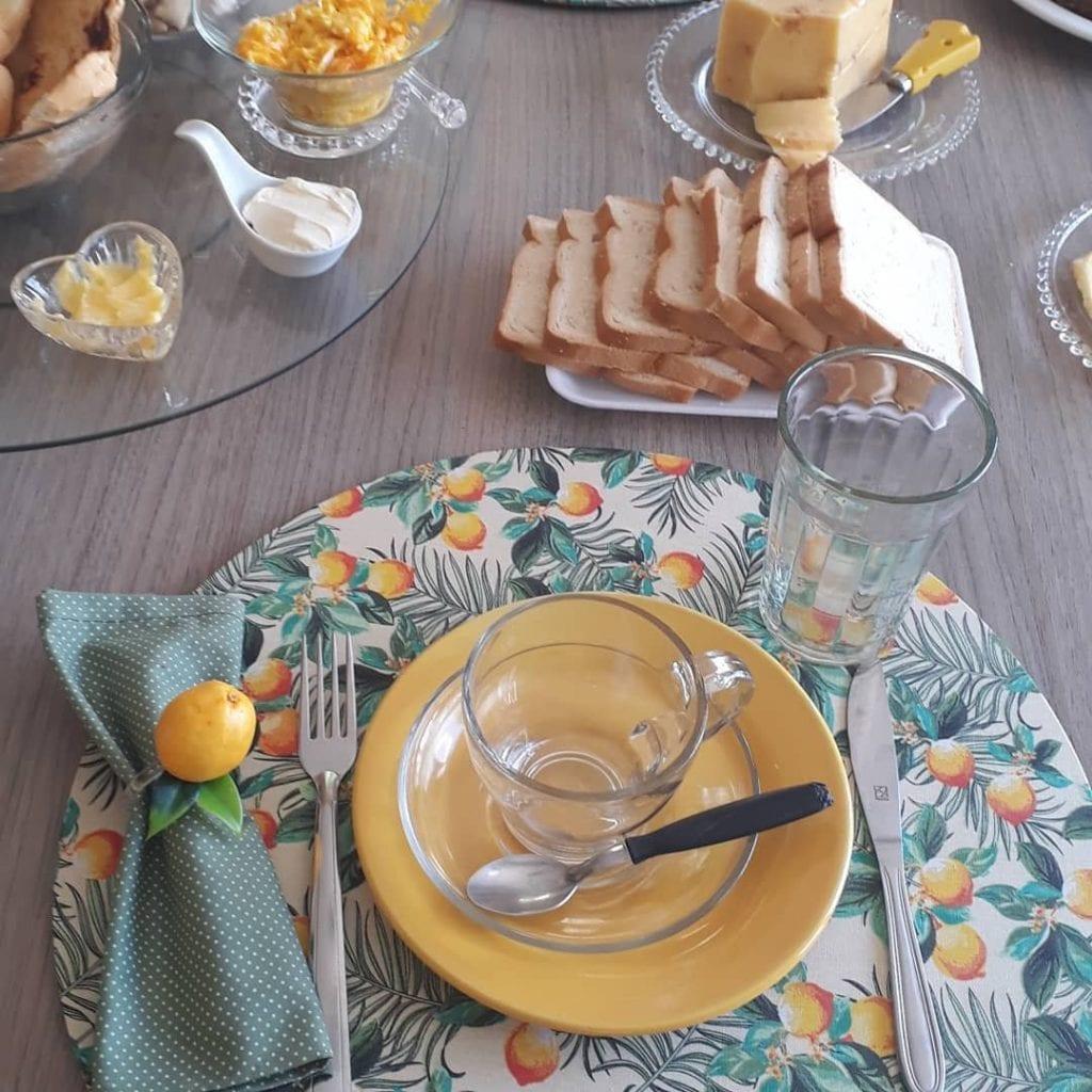 mesa-cafe-da-manha-simples