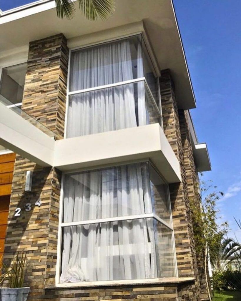 fachada-casa-pedras