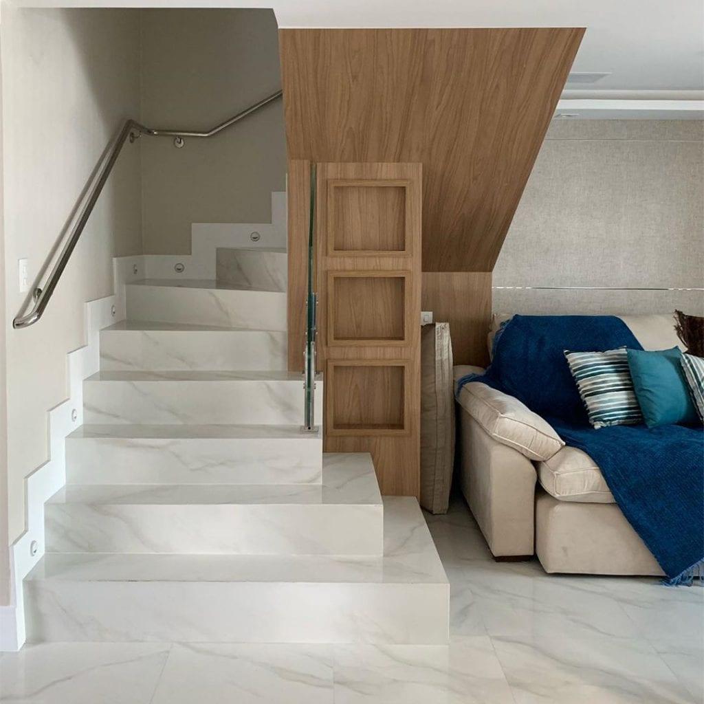 sala-com-escada[