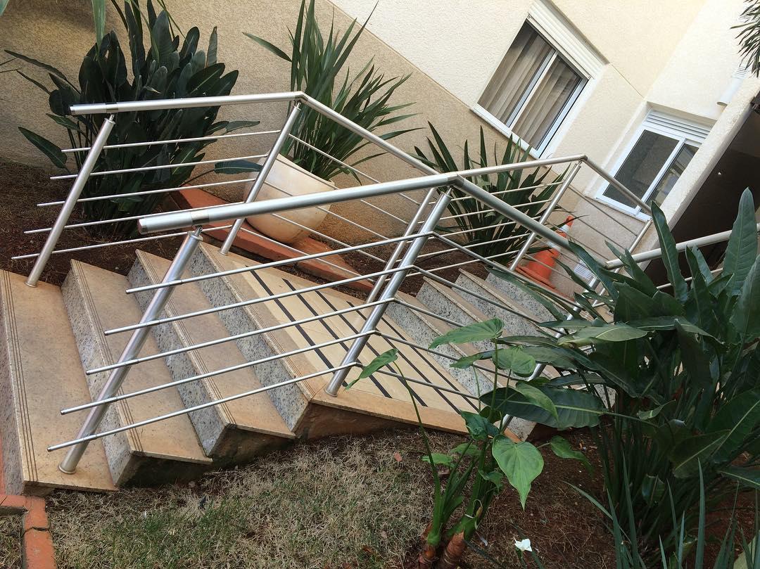 guarda corpo aluminio escada externa