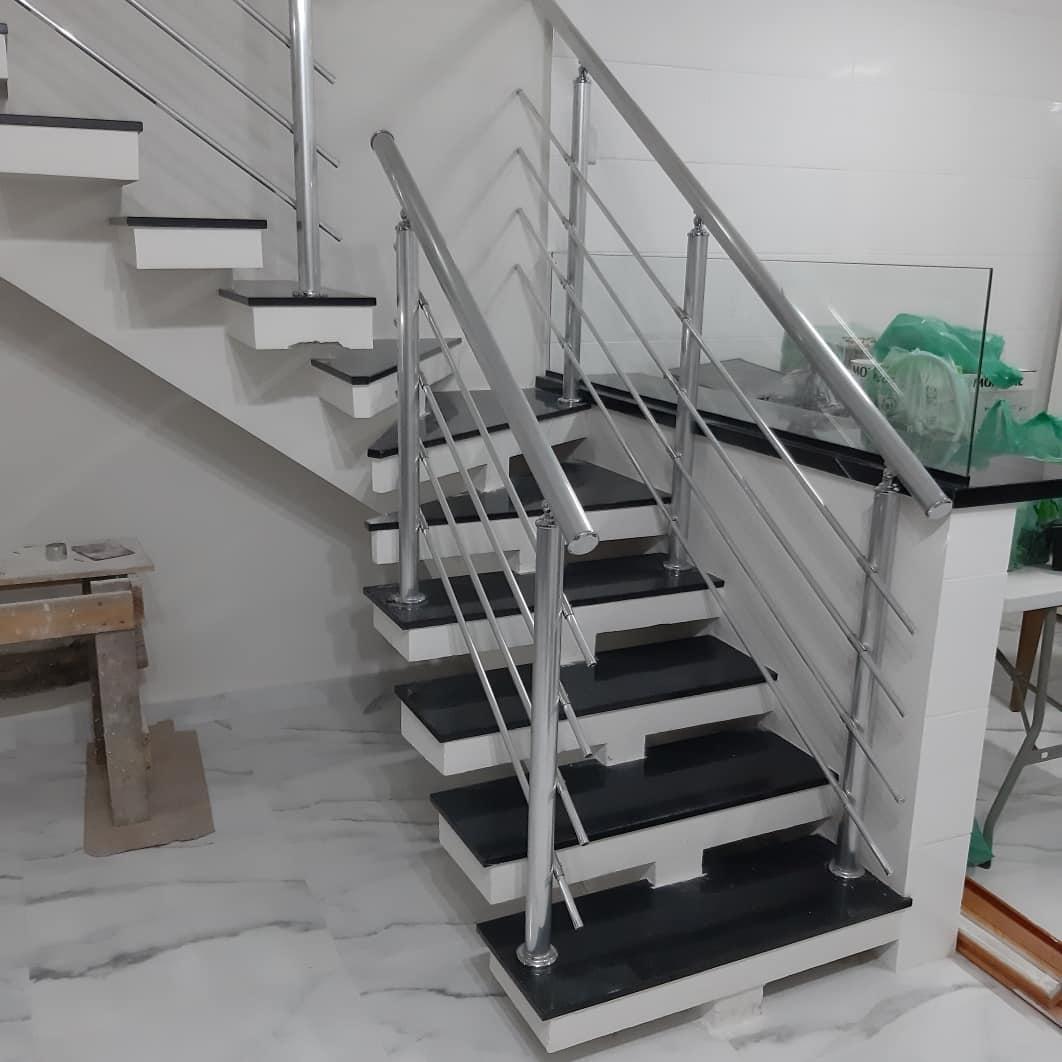 guarda corpo de aluminio em escada