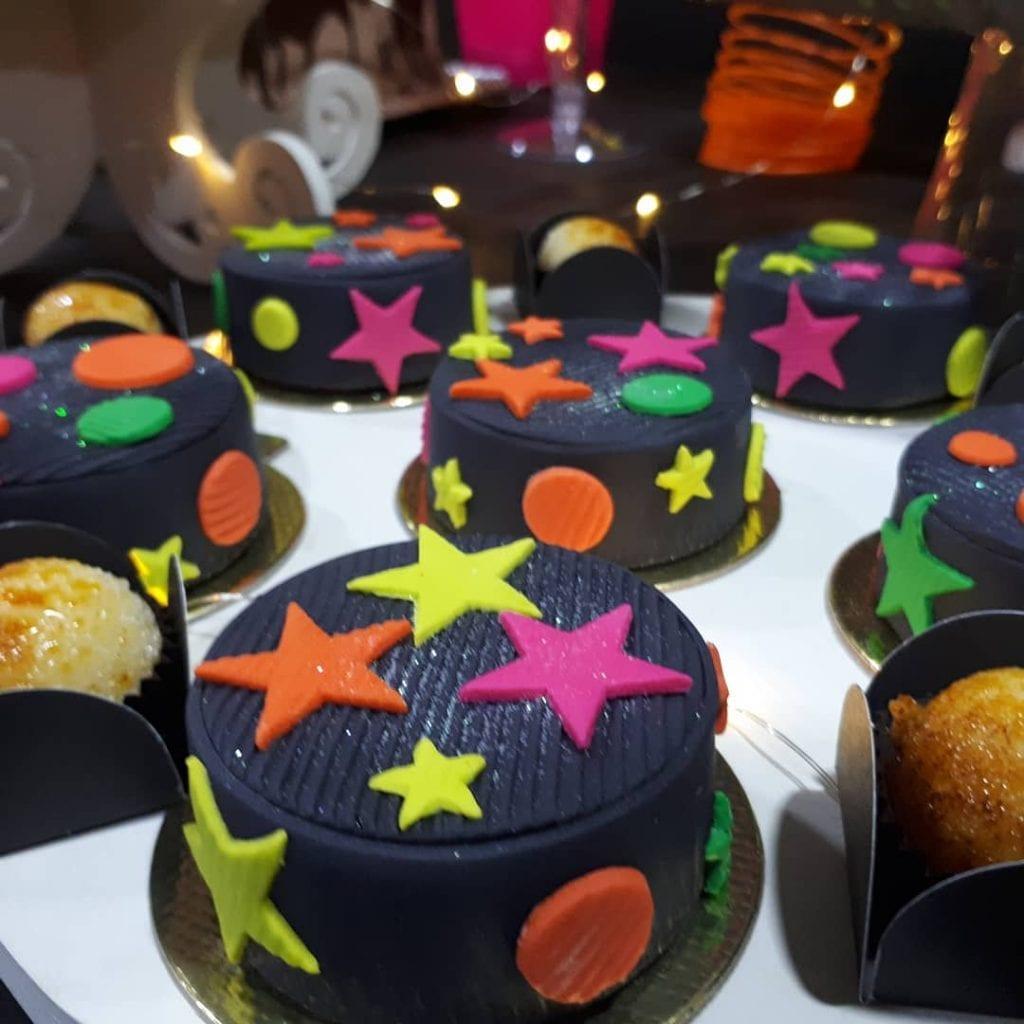 festa-neon-docinhos