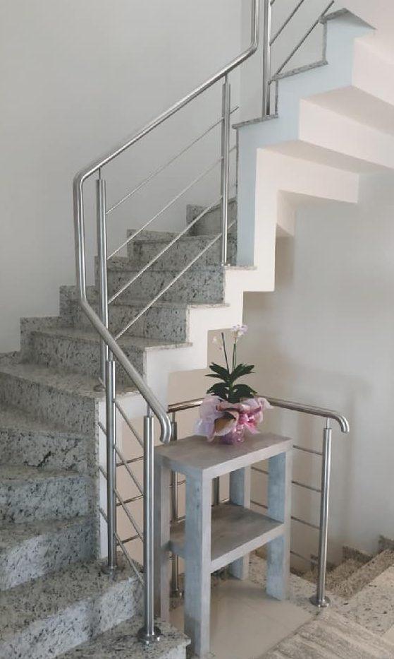 granito branco escada