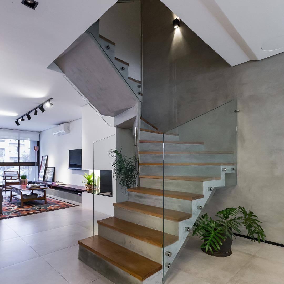 guarda corpo de vidro em escada clean