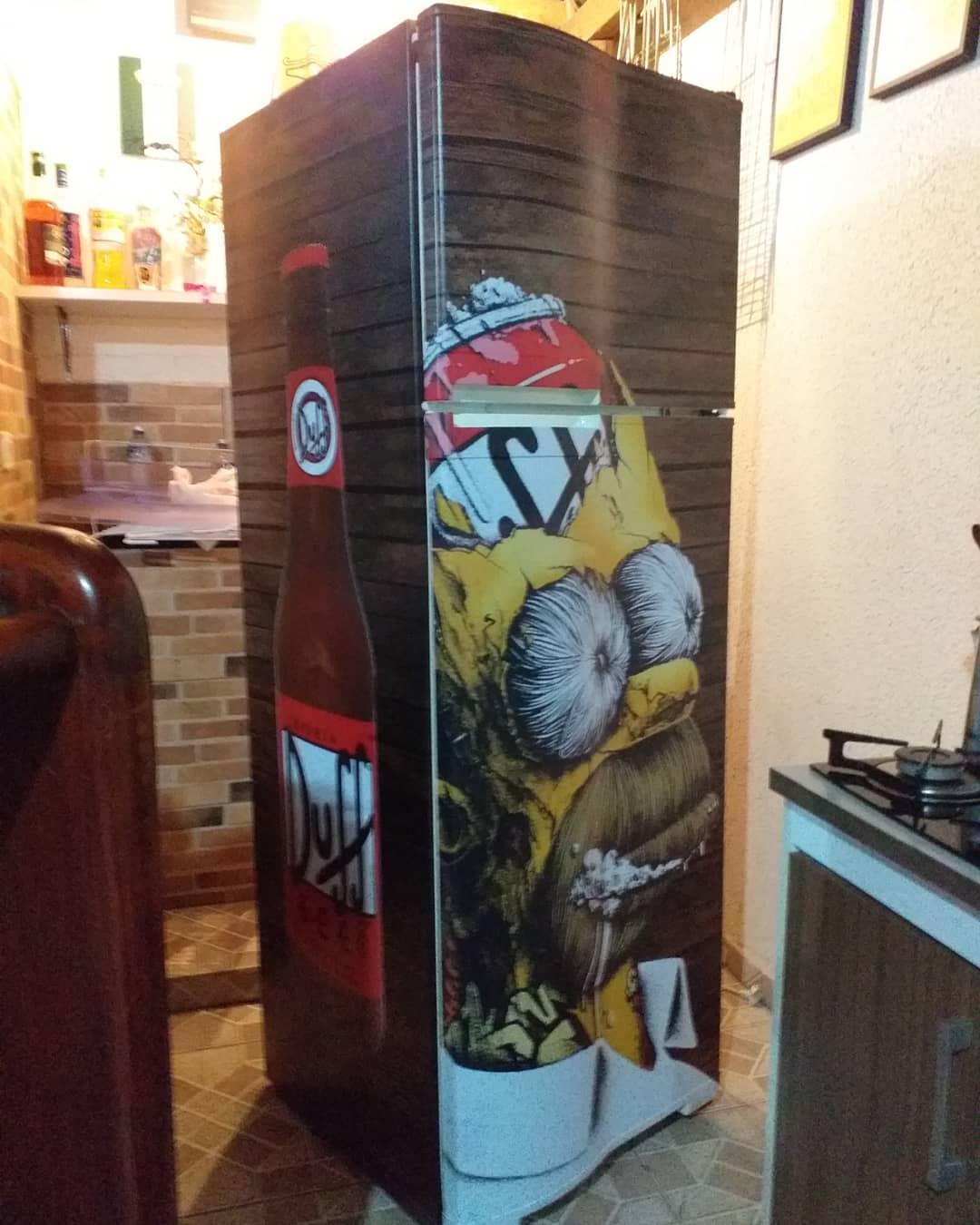 envelopamento de geladeira tema simpsons