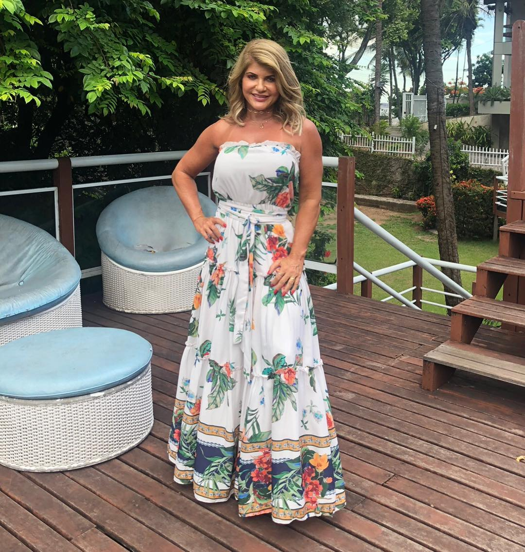look-festa-tropical-roupas