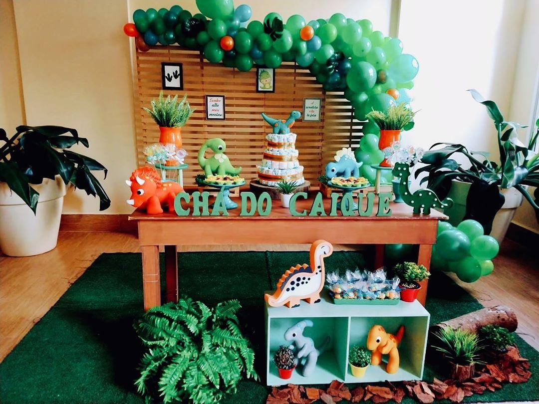 decoracao-cha-de-bebe-menino-dinossauro
