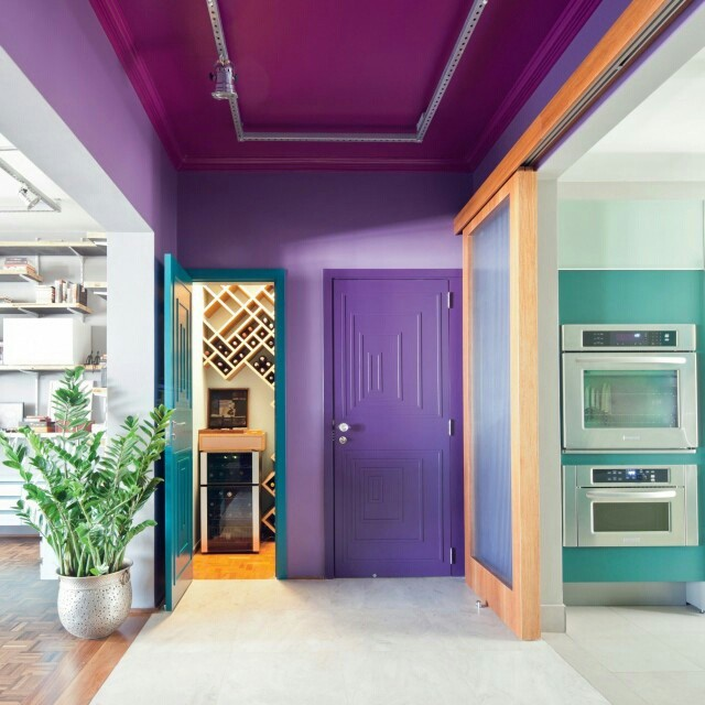 porta colorida roxa casa