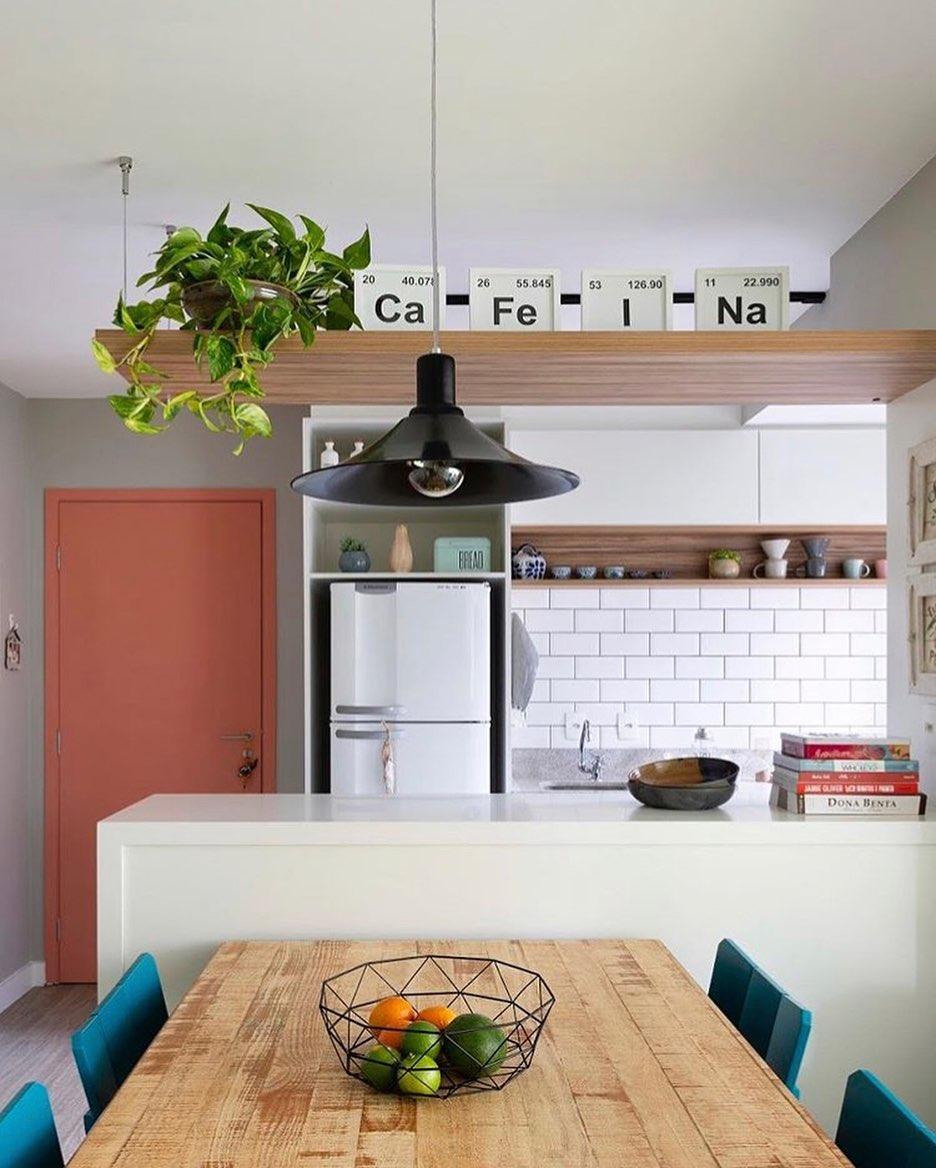 porta-colorida-rosa-entrada-apartamento