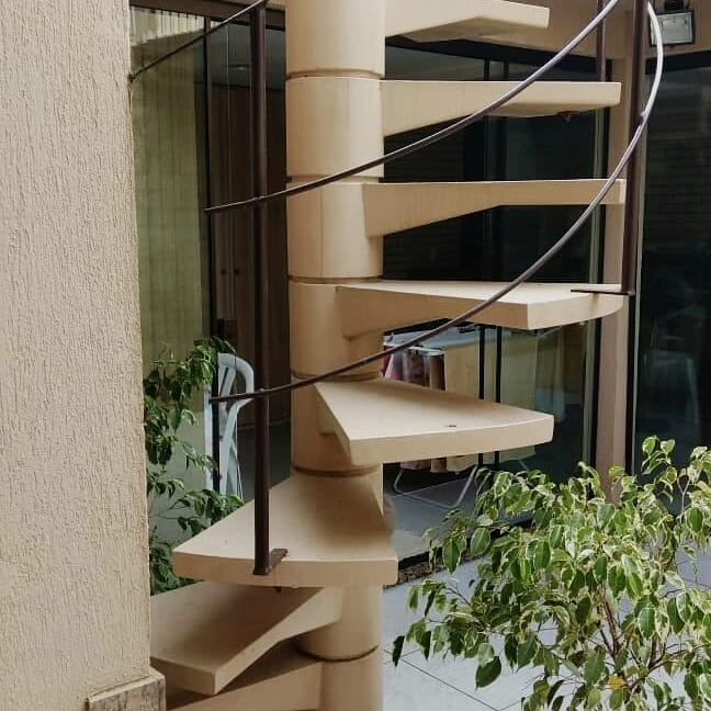 escada caracol de concreto pré-moldada