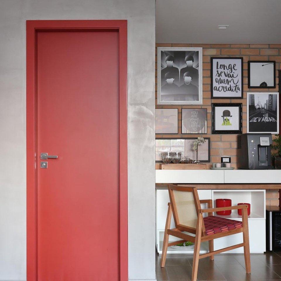 porta-colorida-entrada-vermelha