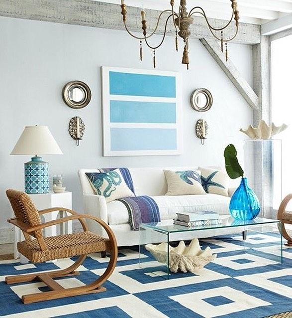 decoração sala de casa de praia em tons de azul