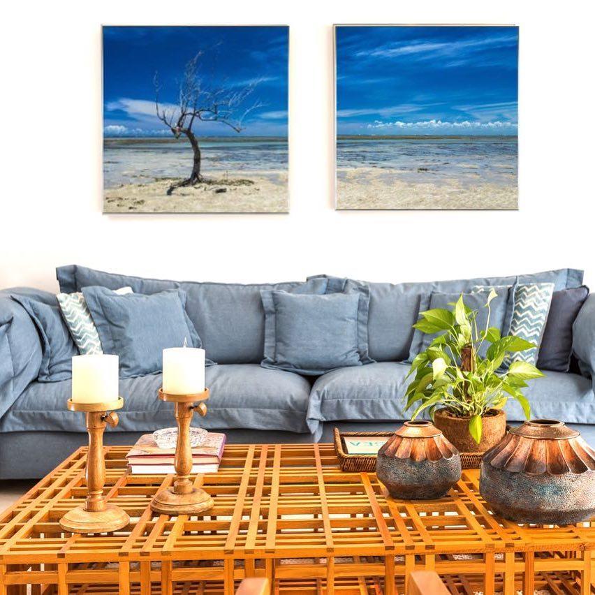 sofa azul claro moderno