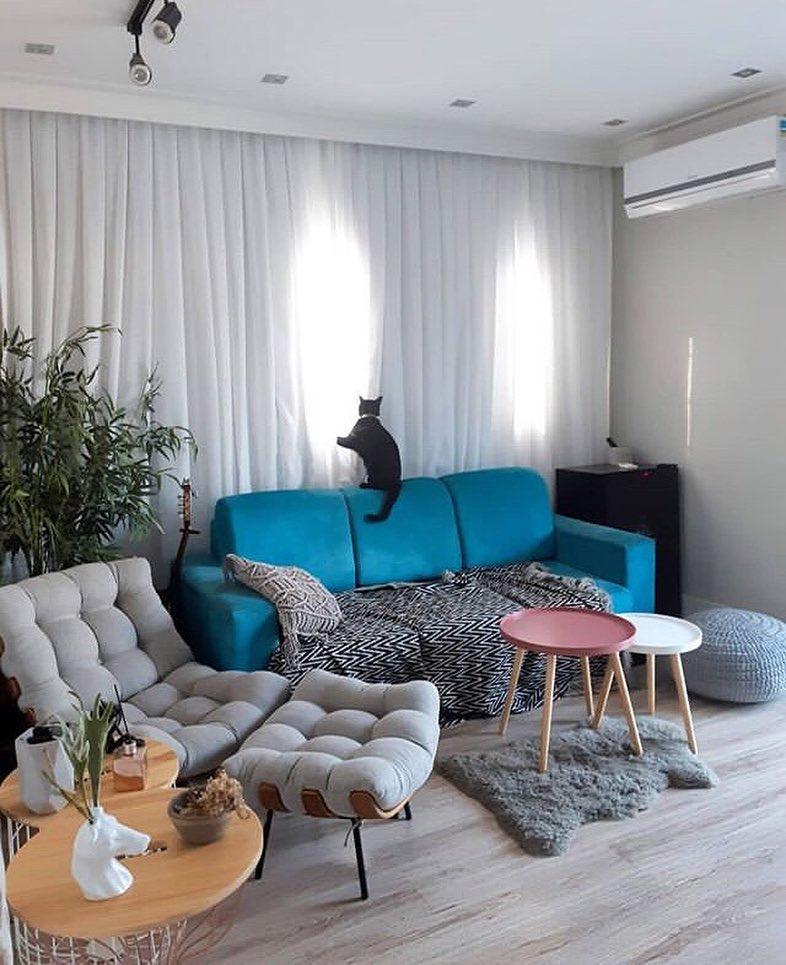 sofa azul turquesa pequeno