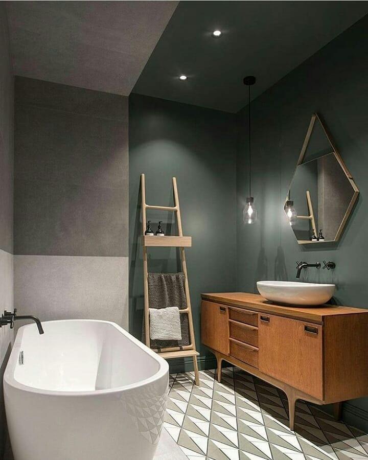 banheiro verde escuro moderno