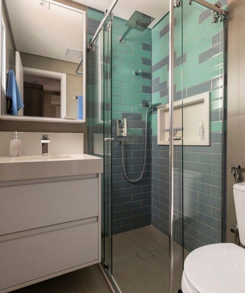 banheiro verde e branco