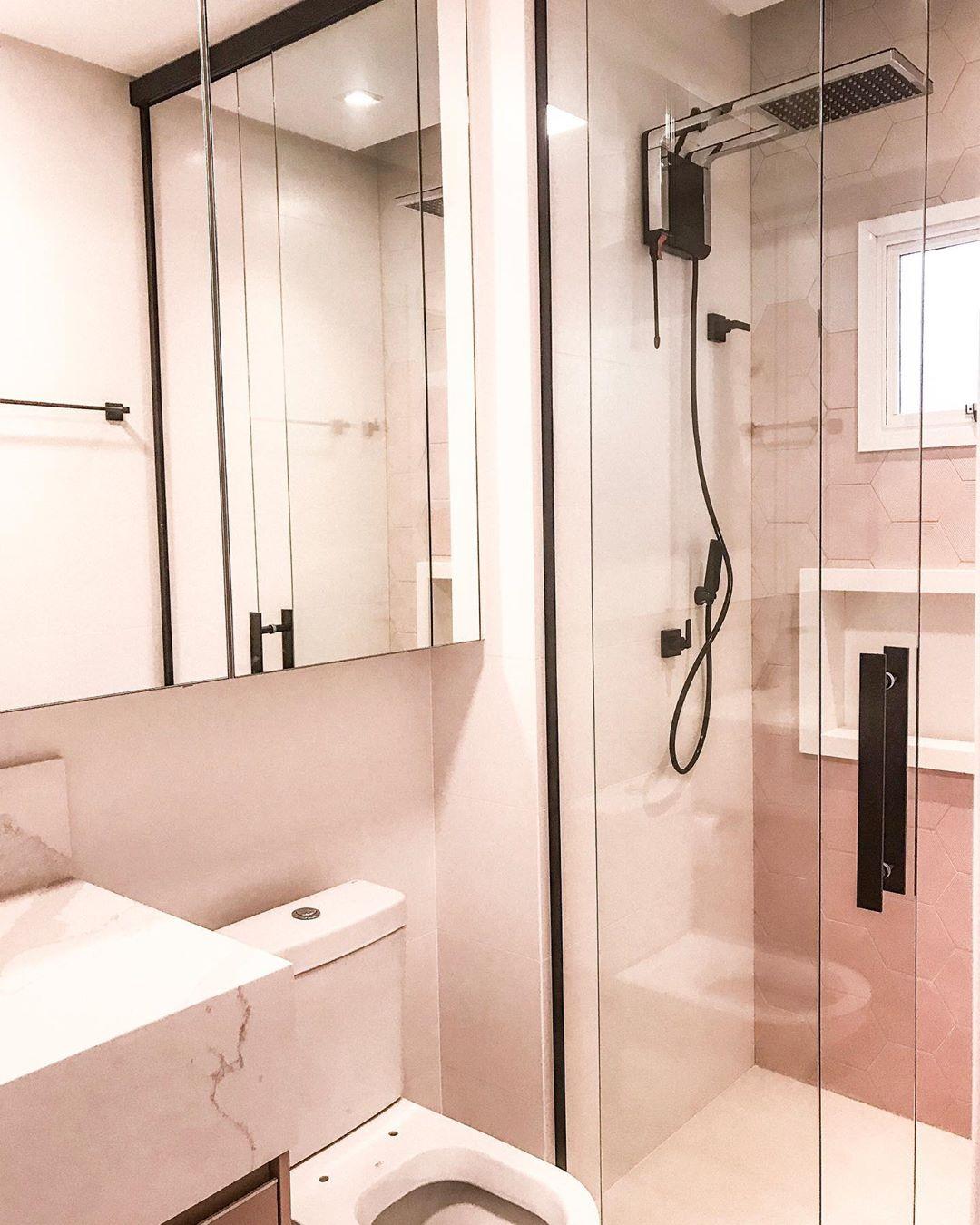 banheiro rose e preto