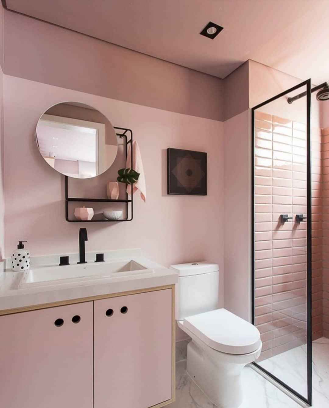 banheiro rosa com preto