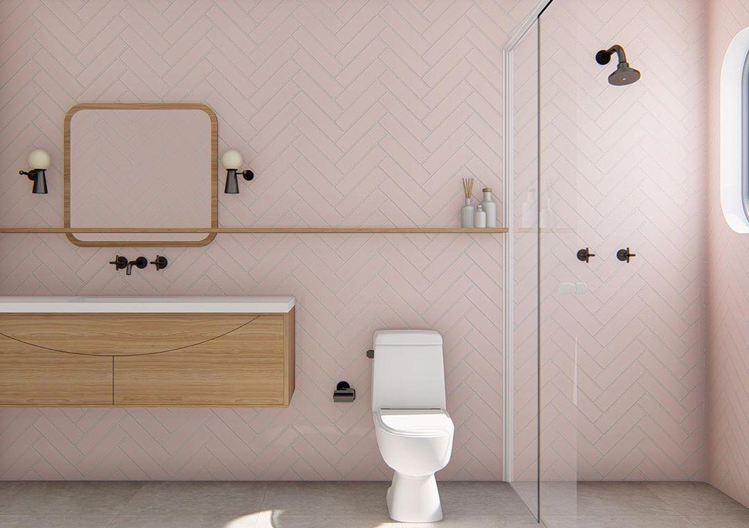 banheiro rosa claro com amadeirado