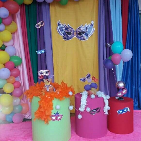 decoração simples para festa a fantasia