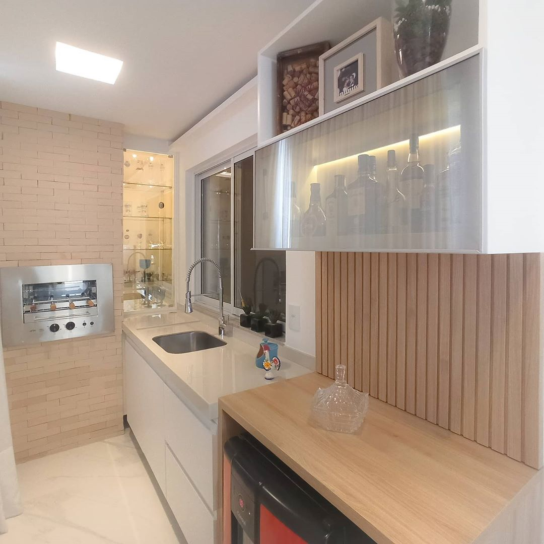 varanda com churrasqueira em espaço pequeno