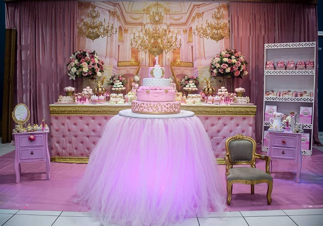 decoração festa princesa rosa e branco e dourado