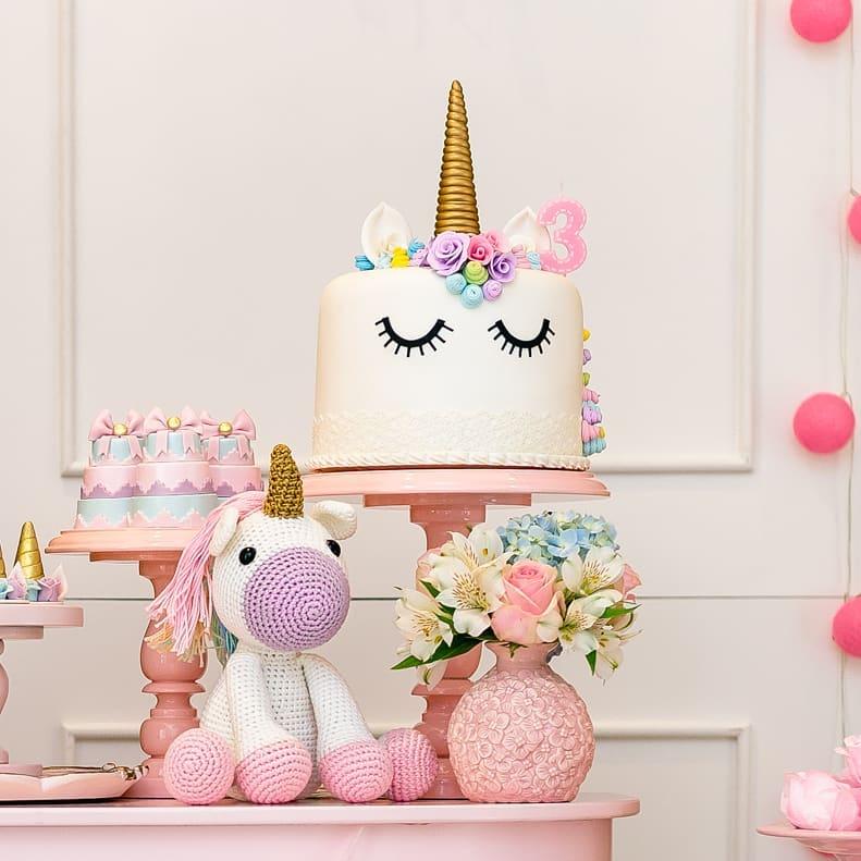 bolo e decoração festa unicornio