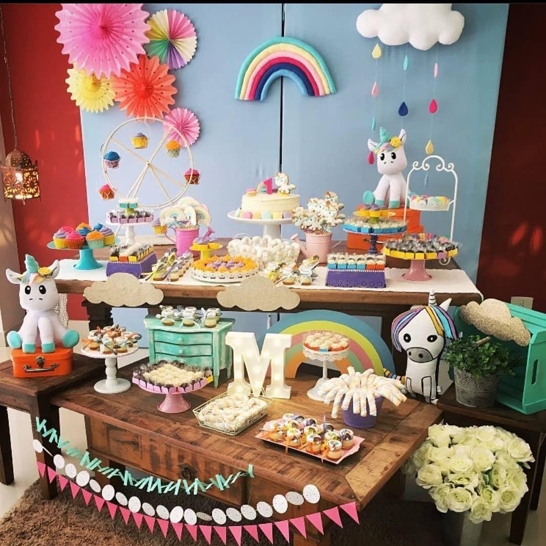 decoração festa unicornio colorida