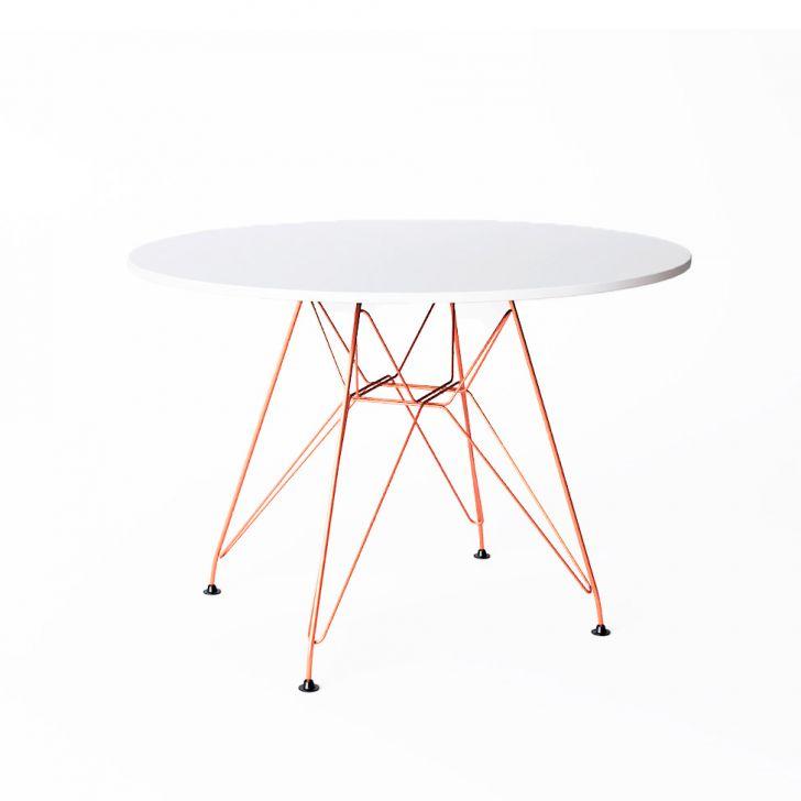 mesa de jantar redonda branca com pes em cobre