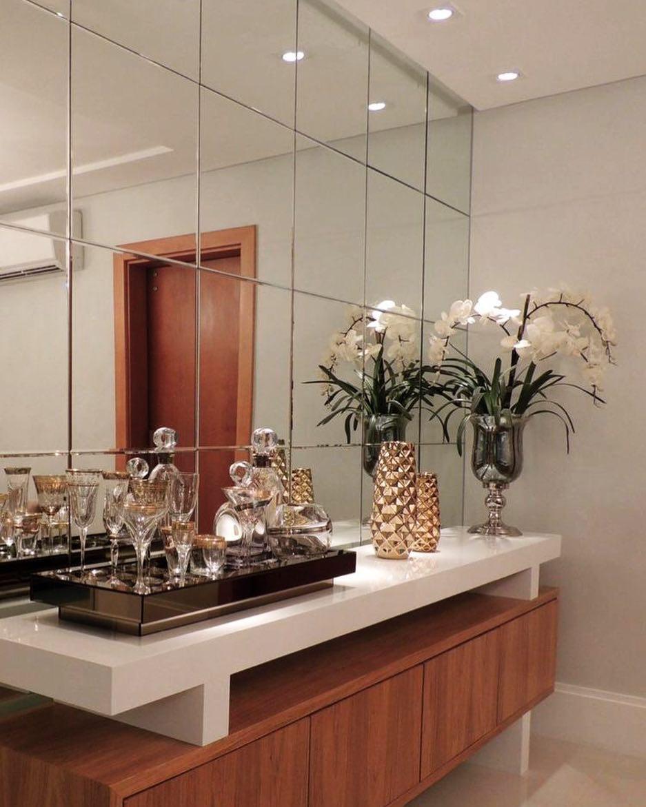buffet com espelho decorado